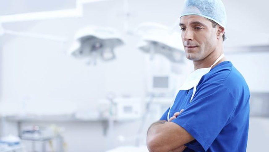 Solicitação de Esclarecimentos Sobre Divergência de Informações sobre Médicos e Psicólogos